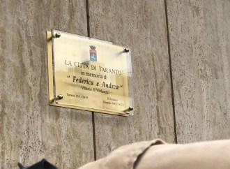 Una targa in memoria di Federica e Andrea