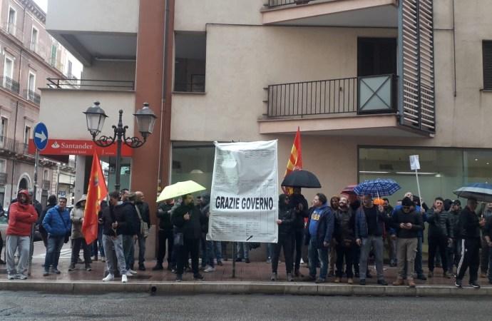 Usb: bonifiche e integrazione salariale per ex Ilva, i ritardi del Governo