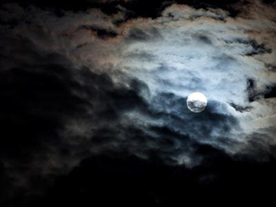 Η «πανσέληνος του Λύκου» από τα Τρίκαλα (φώτο)