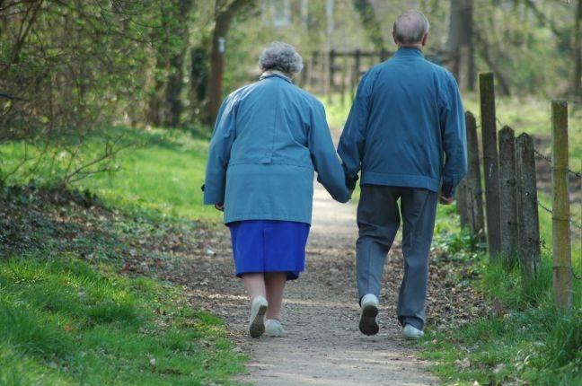 Ο τρόπος που περπατάτε δείχνει πόσο θα… ζήσετε!