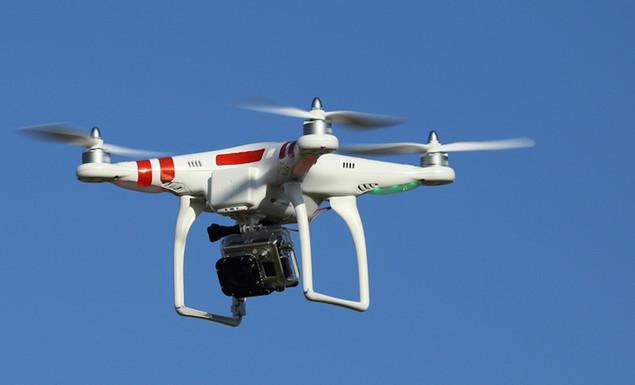 Drones θα πετάνε με 30 χλμ. την ώρα και θα... αποφεύγουν εμπόδια!