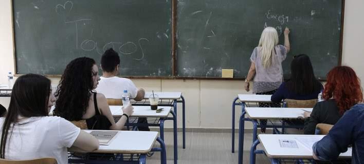 Ορίστηκαν τα εξεταστικά για Πανελλαδικές-Ανοίγουν τα Πανεπιστήμια. Απολυμάνσεις στα Δημοτικά
