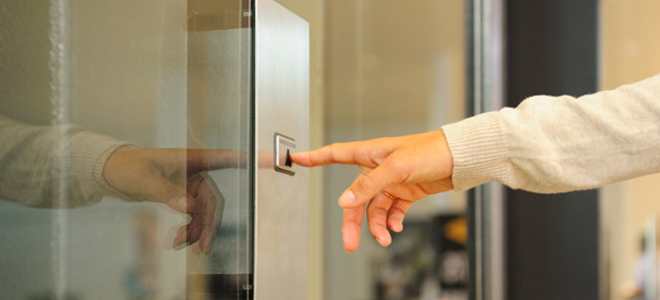 Το σατανικό σχέδιο της σπείρας των… ασανσέρ – Έτσι «γδύνουν» ηλικωμένους