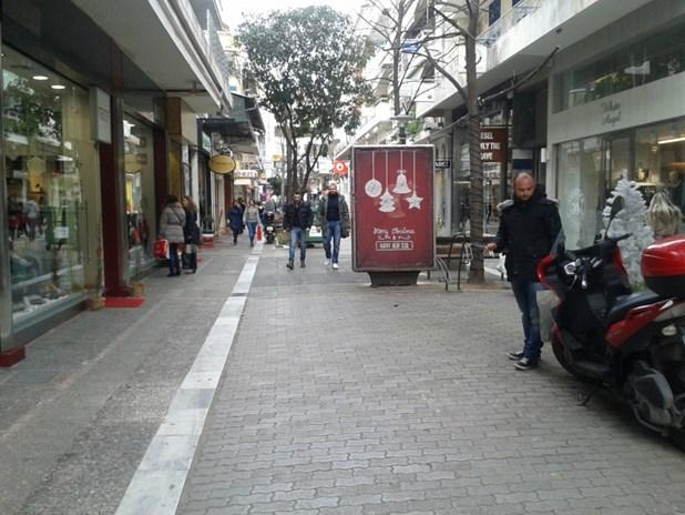 Yποτονική κίνηση τις πρώτες ημέρες των εκπτώσεων στην αγορά της Λάρισας