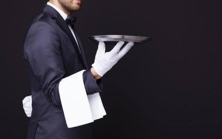 Η απίστευτη δικαιολογία σερβιτόρου που απολύθηκε γιατί ήταν «επιθετικός και αγενής»