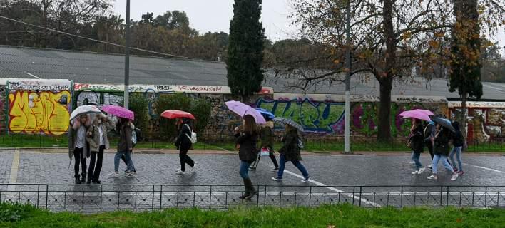 Βροχές και καταιγίδες σήμερα, Μεγάλη Παρασκευή