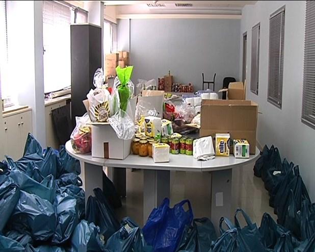 7.000 οικογένειες ωφελήθηκαν από τη διανομή τροφίμων στο νομό Λάρισας