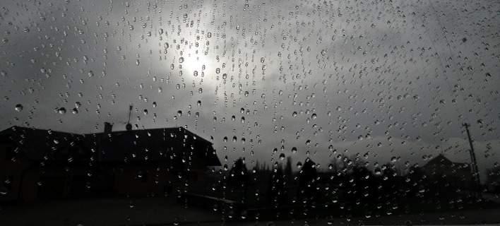 Συνεχίζεται και σήμερα η κακοκαιρία -Καταιγίδες και πτώση της θερμοκρασίας