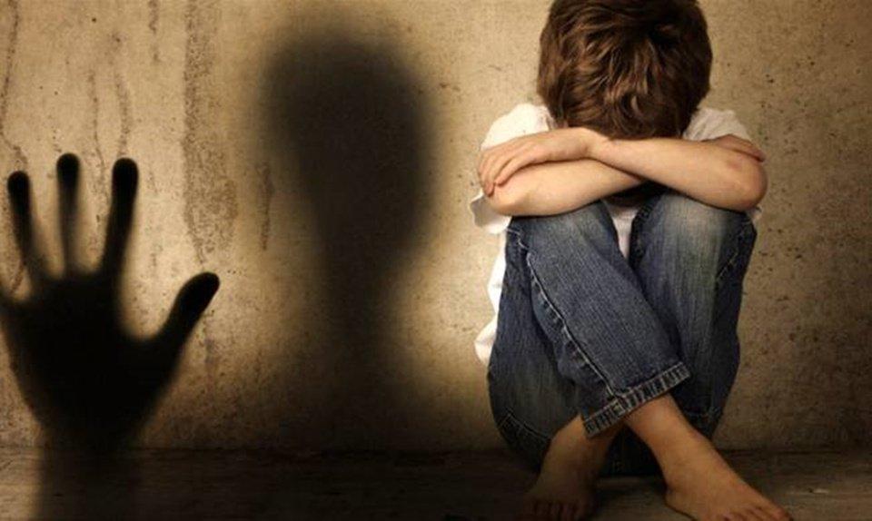 Σάλος από την απόπειρα βιασμού 8χρονου από 20χρονο!