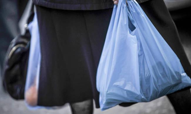 Αυξάνεται η τιμή της πλαστικής σακούλας - Πόσο θα μας κοστίζει από 1η Ιανουαρίου