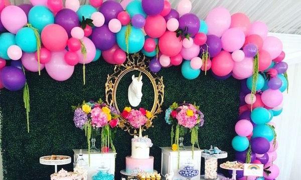 Δες φωτογραφίες από το party που διοργάνωσε για τα 35α της γενέθλιά της!