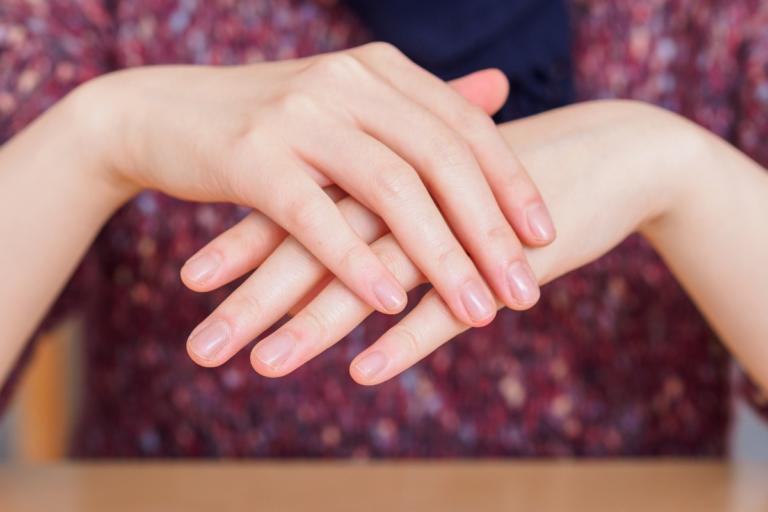 Παρατηρήστε το χρώμα των νυχιών σας: Μπορεί να υποδεικνύει σοβαρή νόσο!