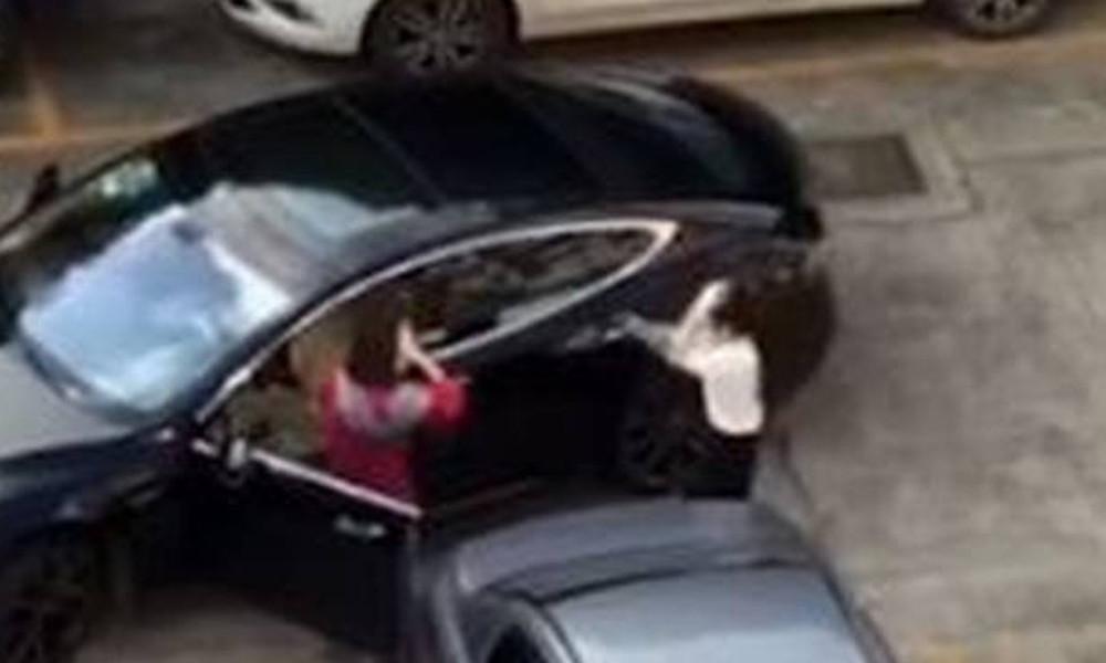 Οδηγοί πιάστηκαν στα χέρια για μία θέση στάθμευσης