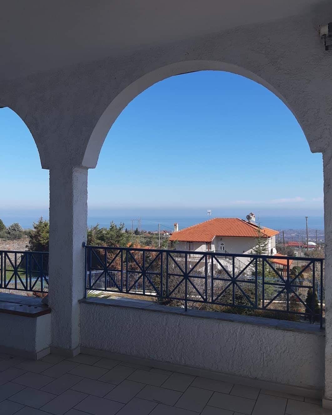 Πωλείται: Μεζονέτα με φόντο τον Όλυμπο και θέα τον Θερμαϊκό Κόλπο