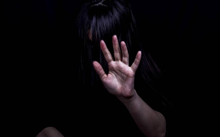 «Οπισθοδρόμηση για τα δικαιώματα των γυναικών ο προτεινόμενος ορισμός του βιασμού»