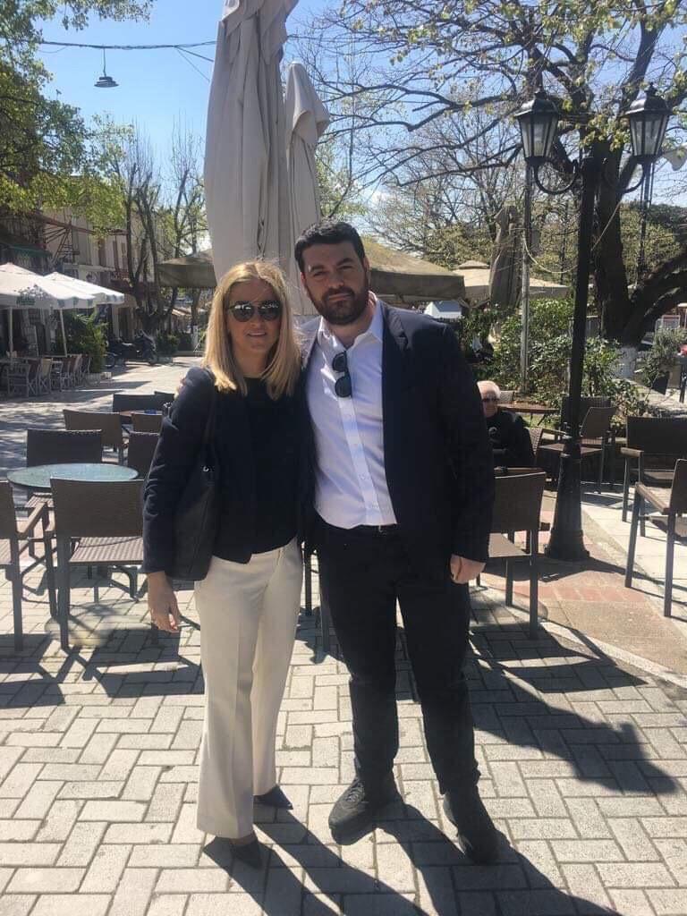 Ο Υπ. Ευρωβουλευτής της Ν.Δ. Κώστας Δέρβος με την Τάνια Δόκου σε Μεταξοχώρι και Αγιά - ΦΩΤΟ