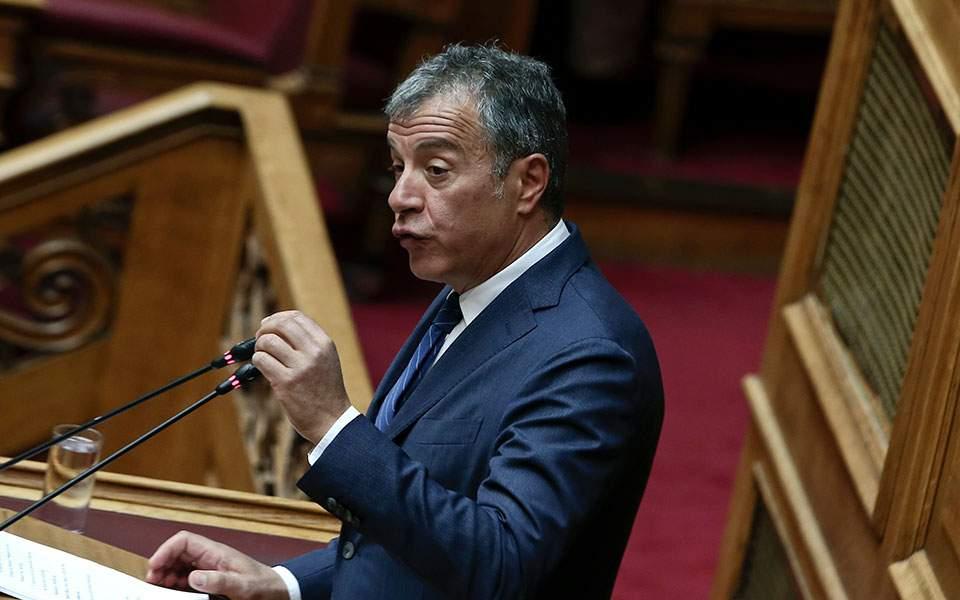 Στ. Θεοδωράκης: Οι πολίτες να θυμώσουν και να ψηφίσουν
