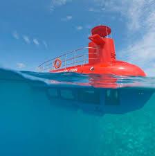 Εντυπωσιακό: Το τουριστικό «υποβρύχιο» «Nemo» ξεκίνησε τις ημερήσιες και νυχτερινές περιηγήσεις του στον Πλαταμώνα