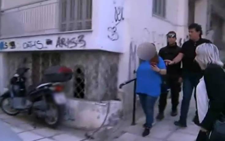 Αρνείται να δει το μωρό της η 24χρονη που το άφησε σε είσοδο πολυκατοικίας στη Θεσσαλονίκη