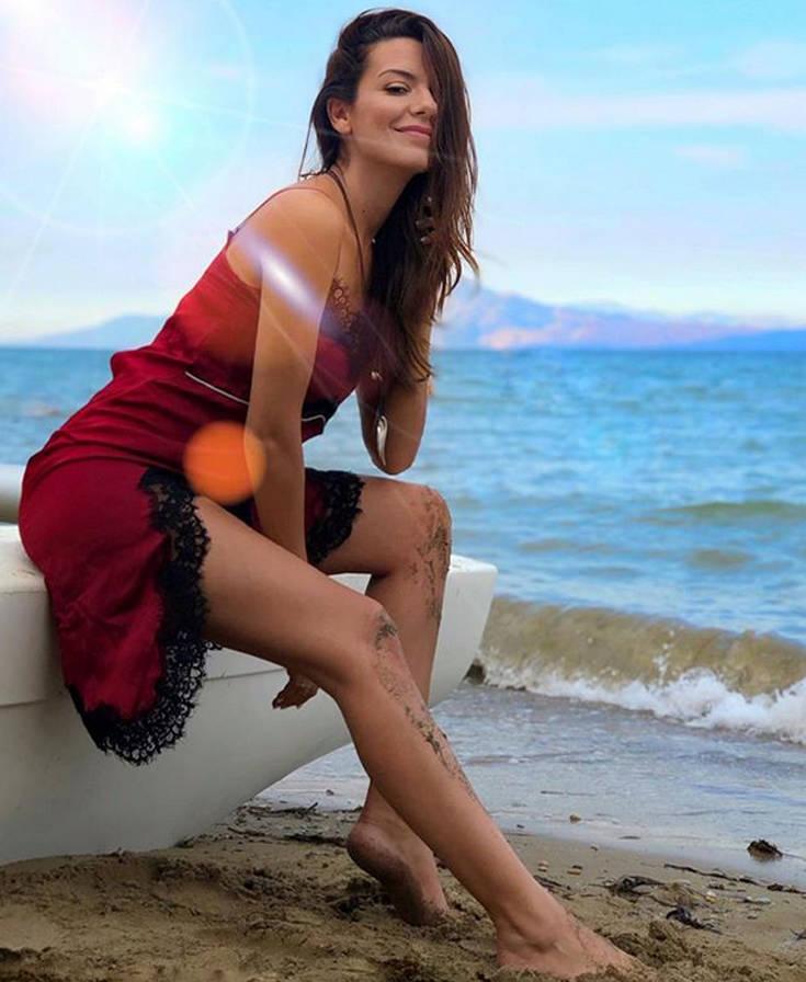 Η Νικολέττα Ράλλη είναι αφόρητα σέξι