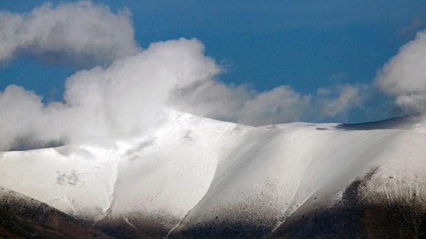 Οι χιονισμένες βουνοκορφές του Ολύμπου, σαν καρτ ποστάλ (Εικόνες)