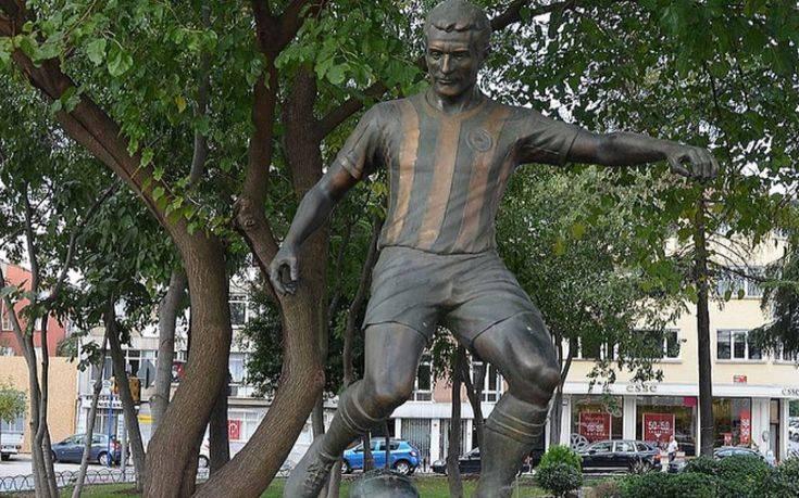 Ο Ερντογάν θυμήθηκε τον Έλληνα ποδοσφαιριστή που λάτρεψαν οι Τούρκοι