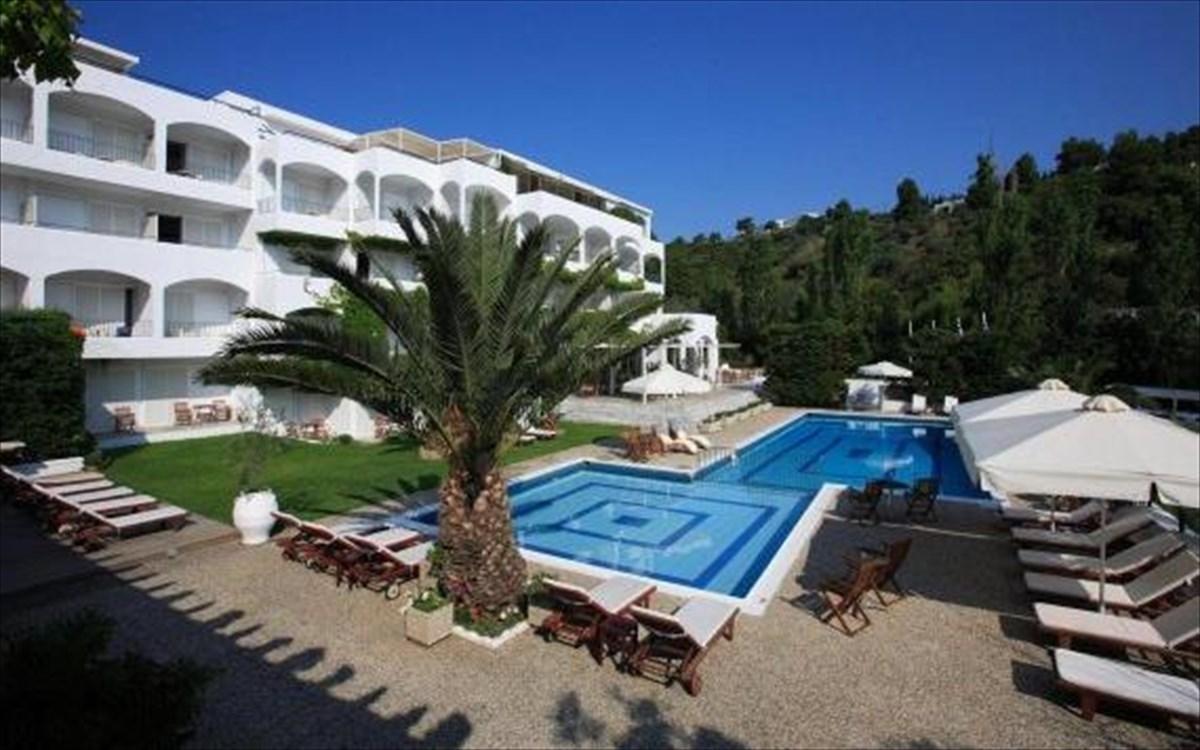 Ποιο γνωστό ξενοδοχείο της Σκιάθου πουλήθηκε έναντι 3,5 εκατομμυρίων ευρώ