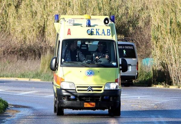 Στο νοσοκομείο δυο άτομα μετά από τροχαίο στη Λάρισα
