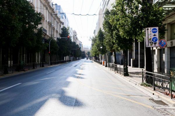 Άδειοι οι κεντρικοί δρόμοι της πρωτεύουσας – Πού πέταξαν οι Αθηναίοι χαρταετό