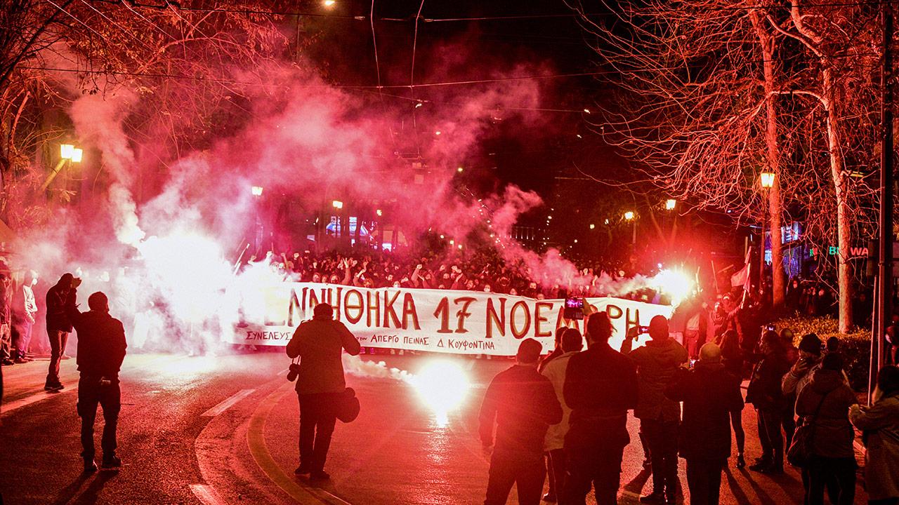 Συνεχίζεται η πολιτική αντιπαράθεση για τον Δημήτρη Κουφοντίνα (video)