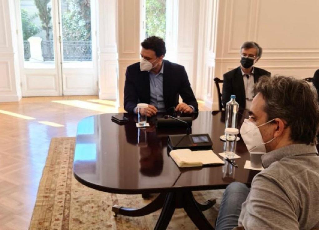 Σύσκεψη για την πανδημία υπό τον πρωθυπουργό — Επί τάπητος η περαιτέρω συνεργασία με τον ιδιωτικό τομέα Υγείας