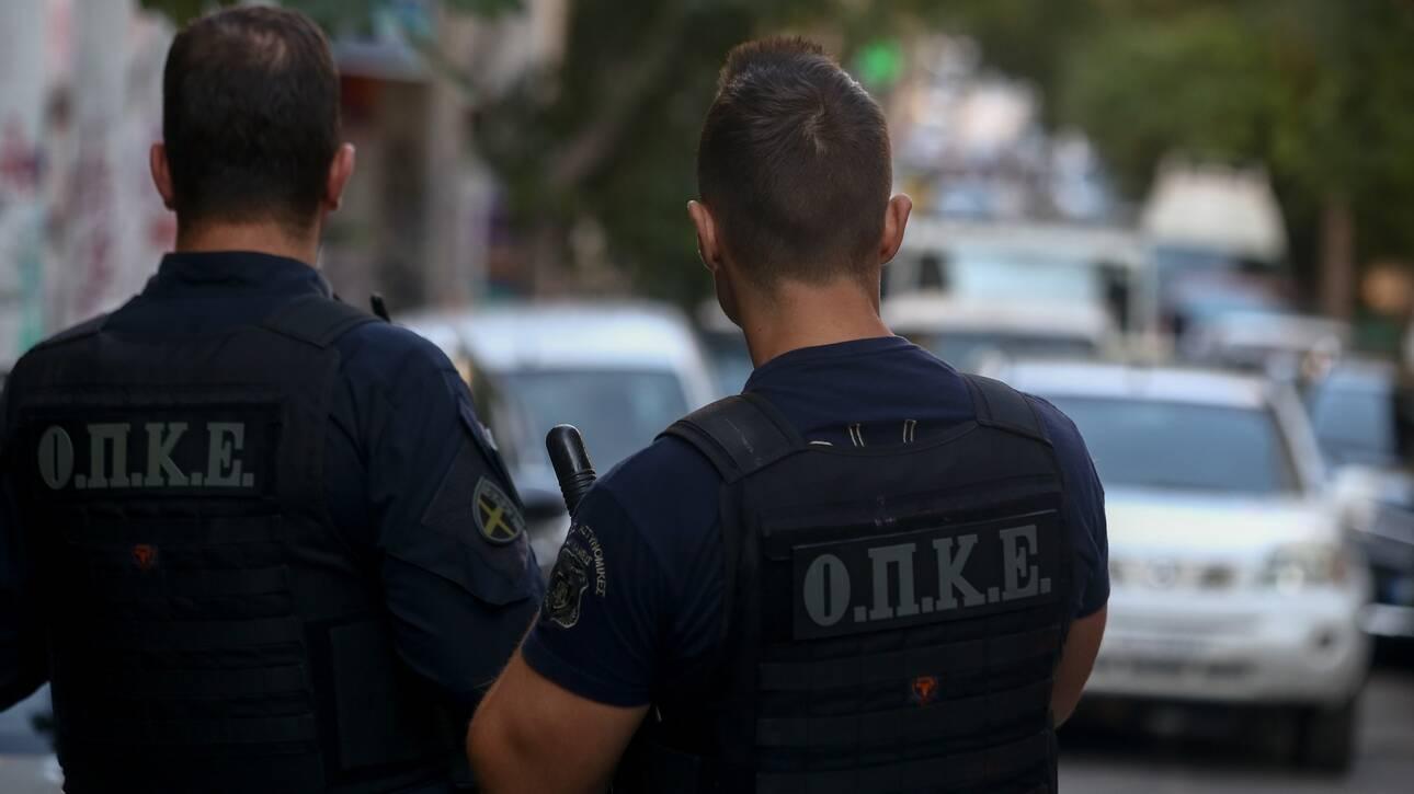 Σύλληψη στη Λάρισα για κλοπή αυτοκινήτου