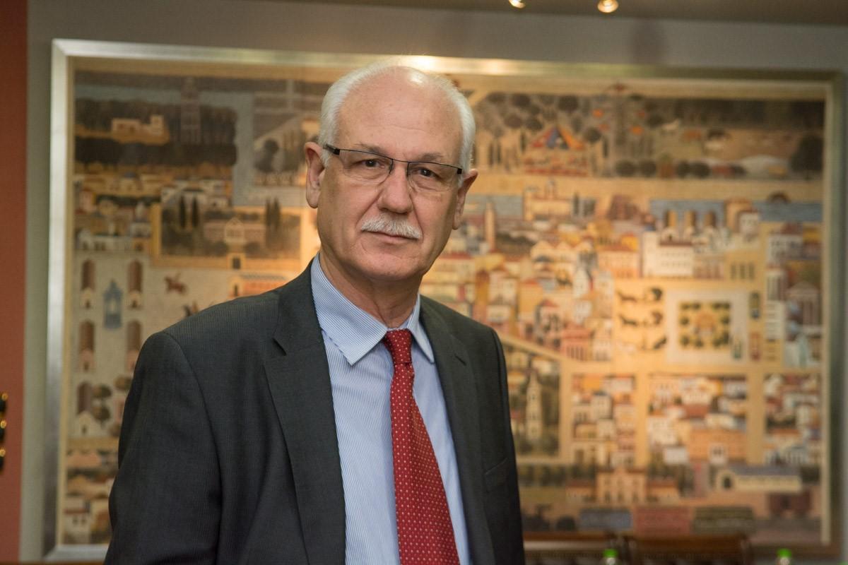 Απ. Καλογιάννης: Έκκληση στους Λαρισαίους να εμβολιαστούν – Ανησυχία για την αύξηση 150% των κρουσμάτων στη Λάρισα