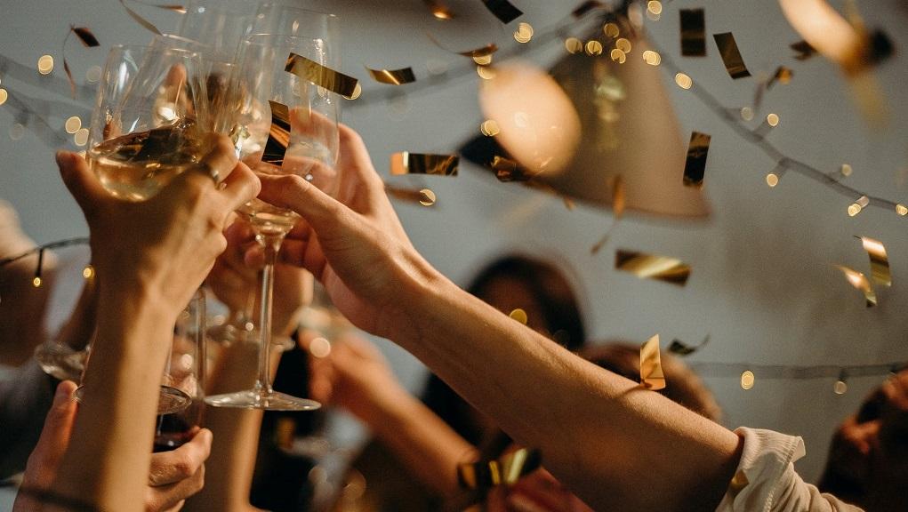 Μ. Παγώνη: H επέκταση του ωραρίου θα βοηθήσει στο να μειωθούν τα πάρτι (video)