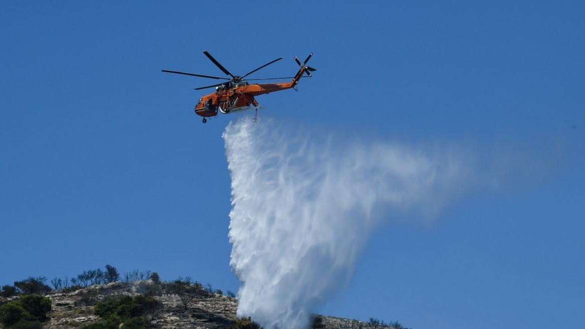 Οριοθετήθηκε η πυρκαγιά σε δασική έκταση στη Χασιά Αττικής