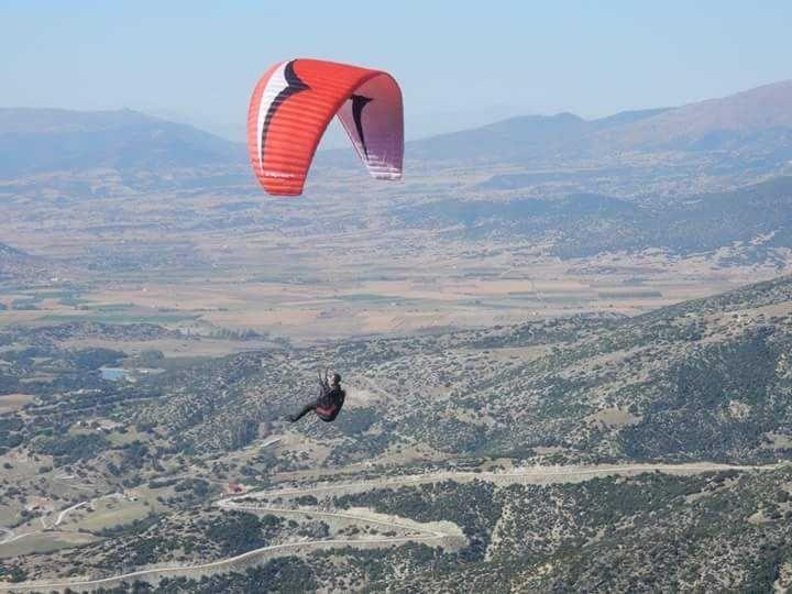 Σε απόκρημνη περιοχή της Αράχωβας εντοπίστηκε ο αγνοούμενος αεροπτεριστής