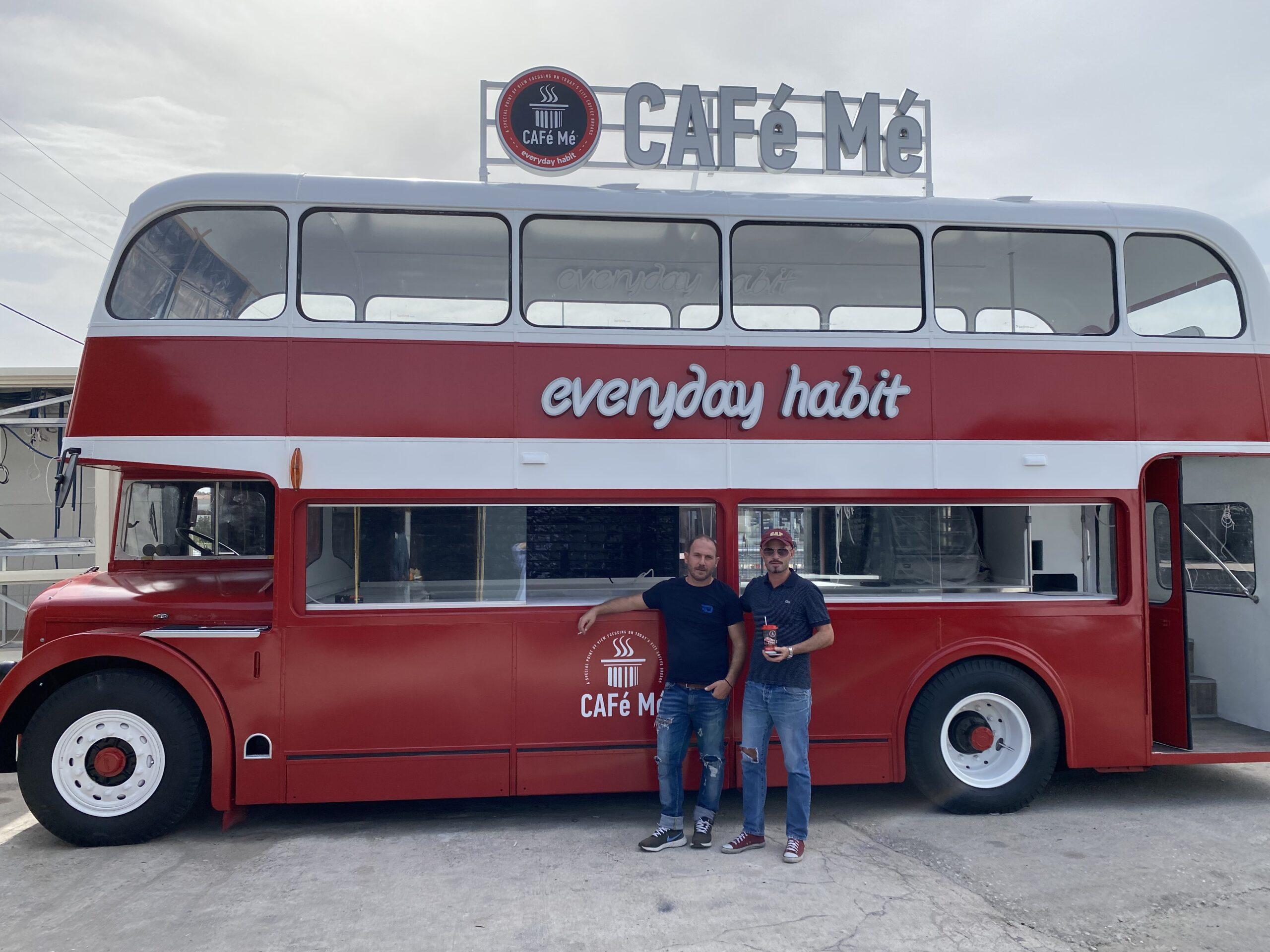 Λάρισα: Red Bus: Η νέα 2όροφη καντίνα των CAFe Me