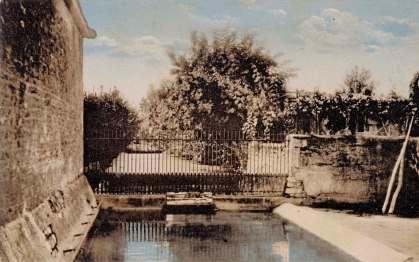 La-Ronde-12925-ruisseau-lavoir-carte-postale