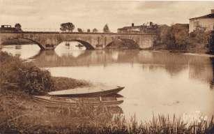 La-Ronde-21034-pont-croix-Marys-carte-postale