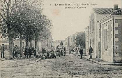 La-Ronde-3-place-marche-route-Courcon-carte-postale