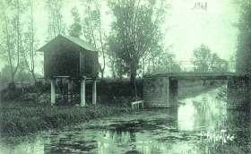 La-Ronde-cabane-Grimaud-carte-postale-1941