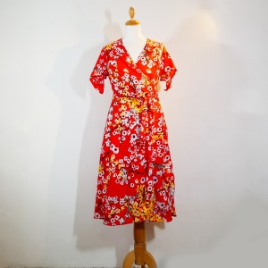 robe-cache-coeur-isabella-rouge-sakura-dos-creation-la-rose-a-pois-arles