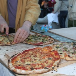 Découpage / Mangeage de pizza !