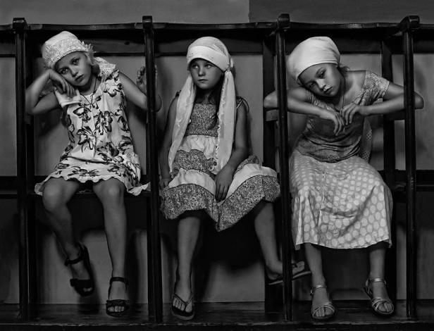 smithsonian-photo-contest-people-nazareth-church-girls-ilan-fain