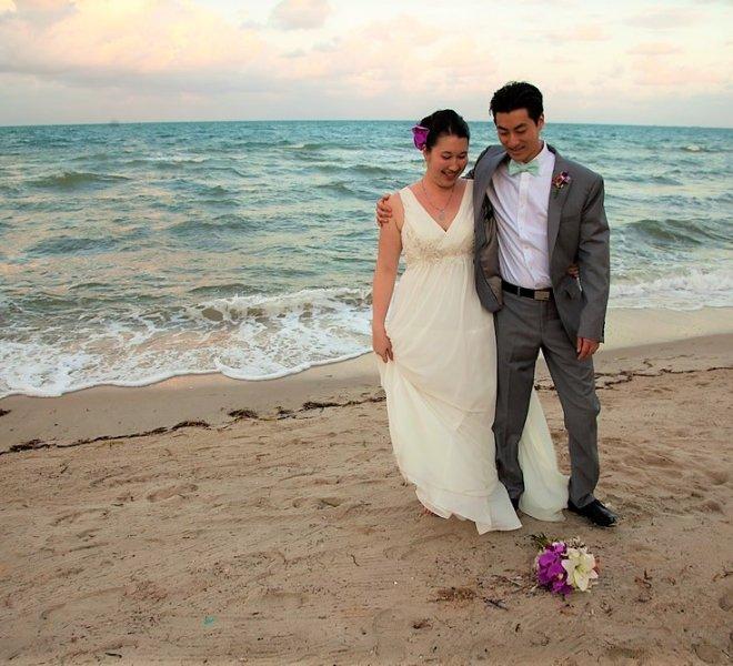 placencia-belize-beach-wedding-couple-4