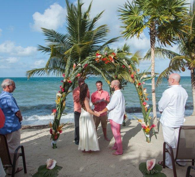 placencia-belize-beach-wedding-couple-10