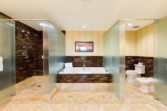 Trump-Las-vegas-6005-lavish-bath