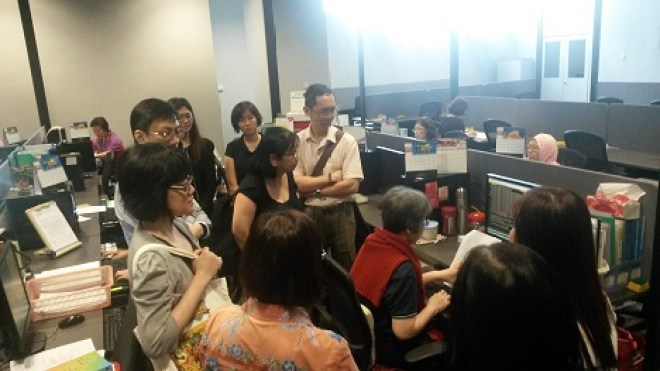 LAS members were in awe of the works of a typesetter