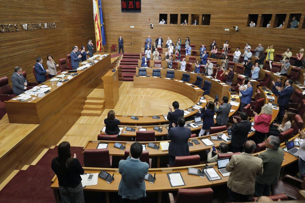 Las Corts Valencianes, a favor de regular el cannabis terapéutico y del autocultivo