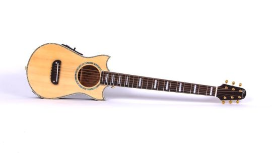Quelle est la meilleure guitare de poche voyage ? Le Top 10 de 2020 !